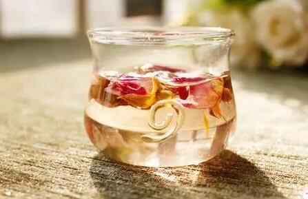 春天最适合喝花茶?不同花茶有什么好处!
